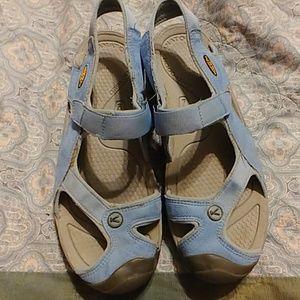 Keen sz 10 Ladies sandals, baby blue, gently worn